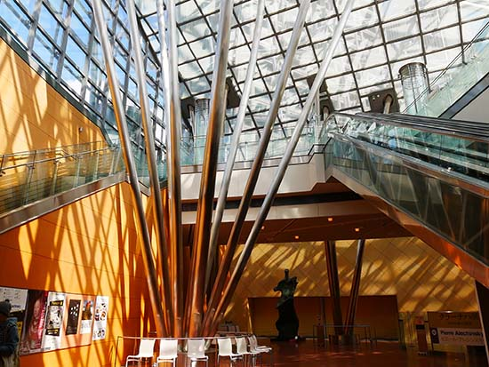 国立国際美術館10